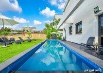 image nof-ilay-yard-pool-04-jpg