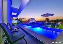 image nof-ilay-yard-pool-24-jpg