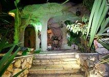 image shade-trees-cave2-13-jpg
