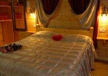 image shira-bayar-cabin-06-jpg